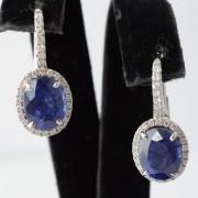 Oorbellen met saffier en diamant