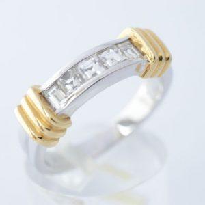 Bicolour ring met diamanten