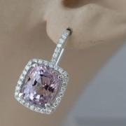 Entourage-oorbellen-met-roze-saffieren-3