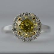 Ring met fancy yellow diamant